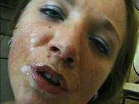 Perverse dokter Bex spuit een bloedmooie pati?nte keihard in haar droge keeltje.